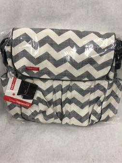 B1] Skip Hop Dash Signature Messenger Bag Diaper Baby Chevro