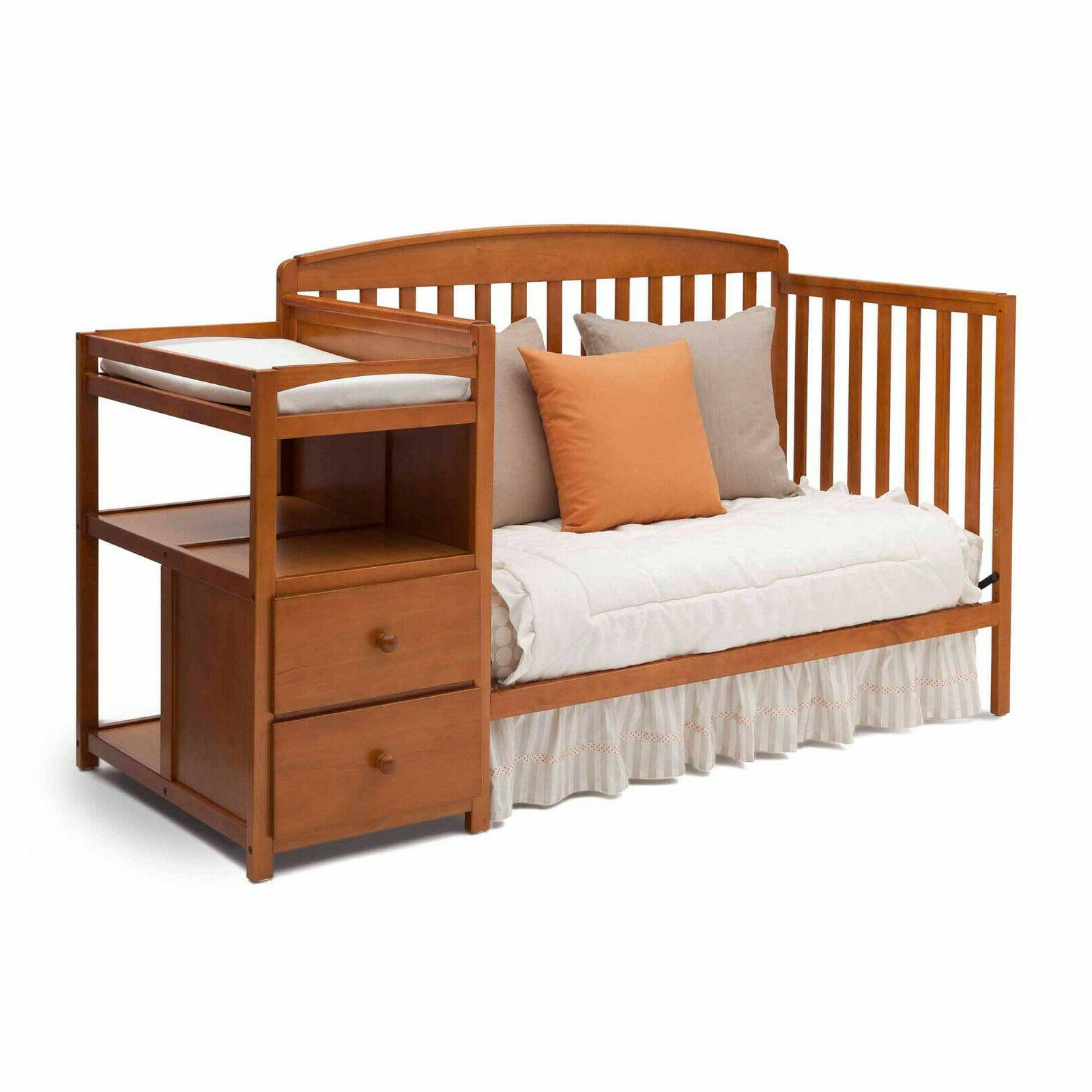 Convertible and Changing Room Daybed 2